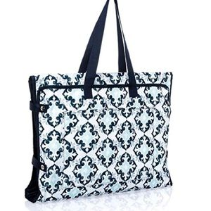 Thirty-one well suited garment bag BWOT